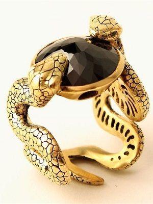 кольцо-змея с камнем