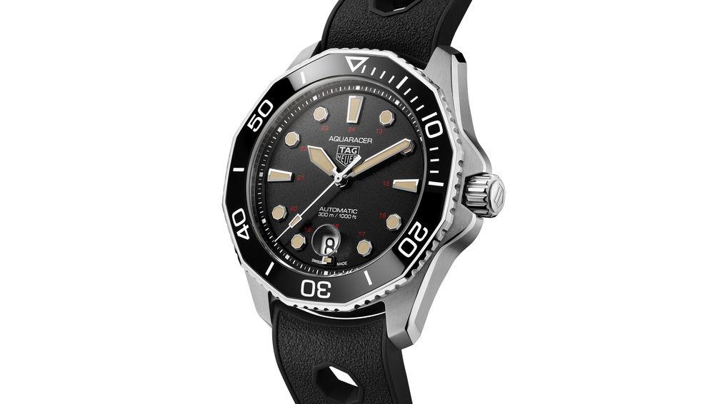 Часы Aquanaut Professional 300, выпущенные ограниченным тиражом, на каучуковом ремешке