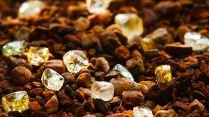 На руднике Эллендейл обнаружено большое количество желтых алмазов