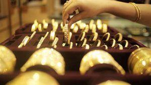 Спрос на золотые украшения в Индии во втором квартале снизился из-за второй волны коронавируса
