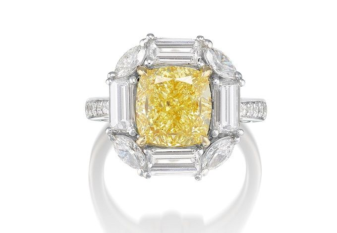 Кольцо с фантазийным желтым бриллиантом 5,01 карата