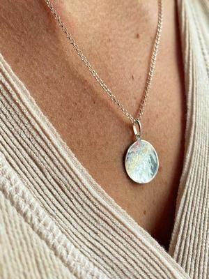 Подвески из белого золота: особенности, как выбрать и носить