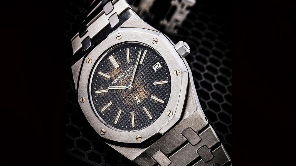 Часы Audemars Piguet Tropical Dial Royal Oak Ref. 5402ST «A Series» с редким «тропическим» циферблатом (от 50 000 до 100 000 долларов)