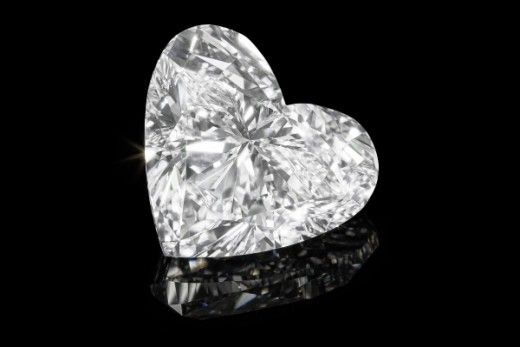 24-каратный бриллиант продан за $ 2 млн