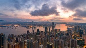 Розничная торговля Гонконга медленно восстанавливается