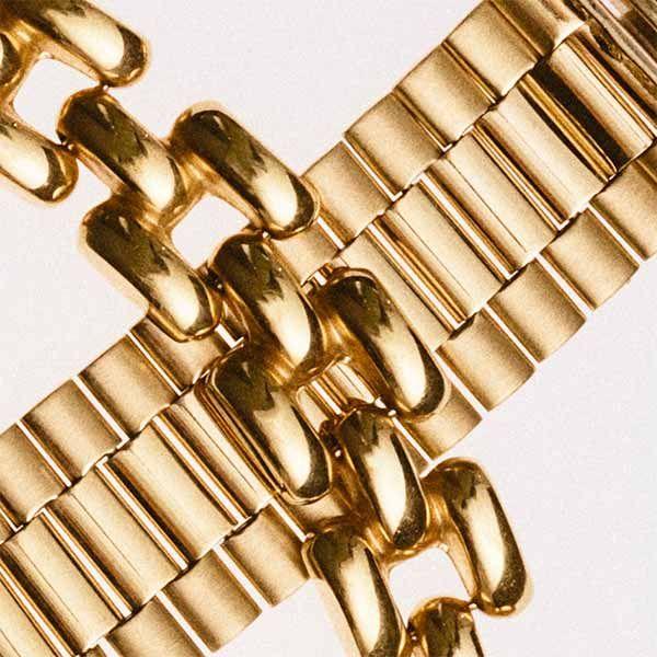 Второе место по популярности после Chanel занимают украшения без бренда. Спрос на них резко вырос в прошлом году