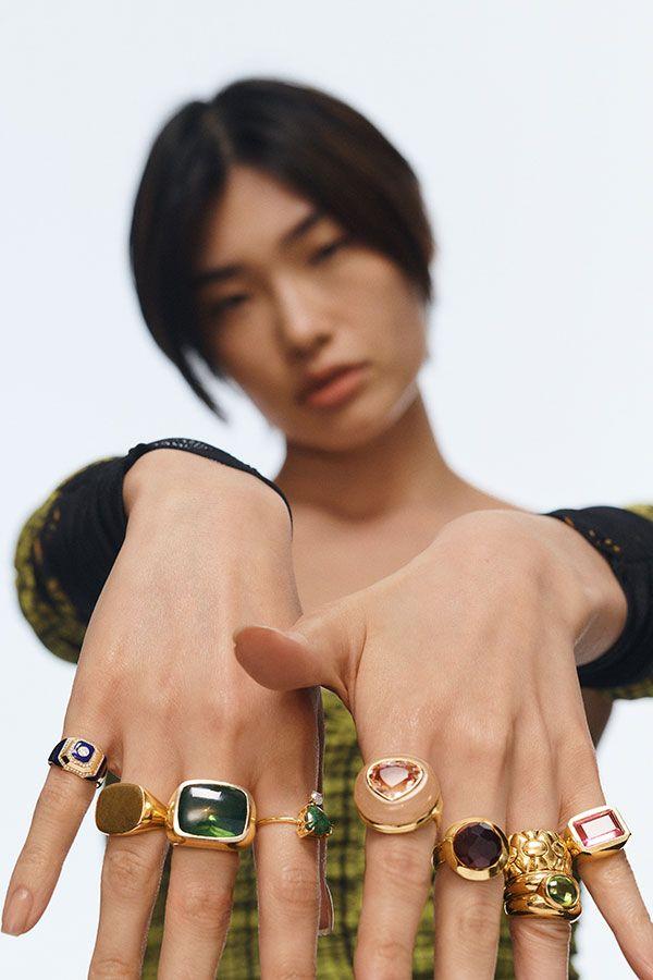 Коктейльные кольца были украшением номер один, купленным на The RealReal за последний год