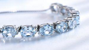 Браслет с топазами из серебра: особенности, как выбрать и носить