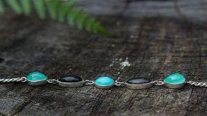 Серебряный браслет с хризопразом: как выбрать и носить