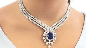 Колье с бриллиантами: особенности выбора украшения