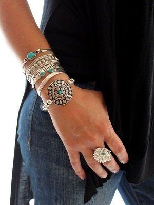 Серебряные браслеты с бирюзой: особенности, как выбрать и носить