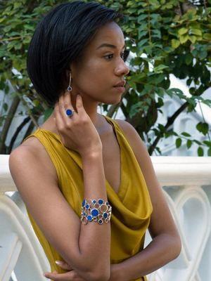Браслет с лазуритом: особенности, как выбрать и носить