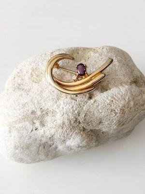 Брошь из золота с аметистом: как выбрать и носить
