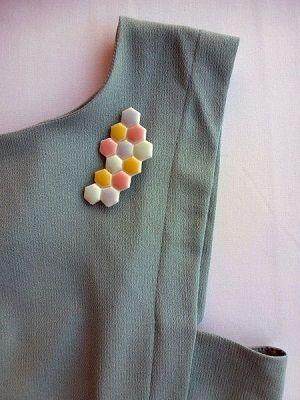 как носить брошь из керамики
