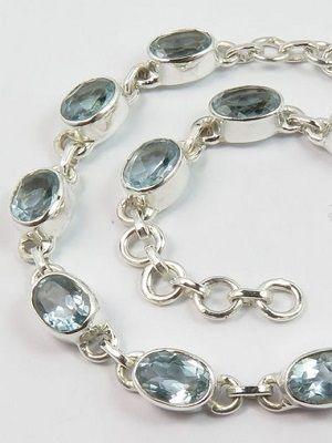 браслет из серебра с камнями