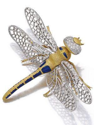 брошь с бриллиантами в виде бабочки