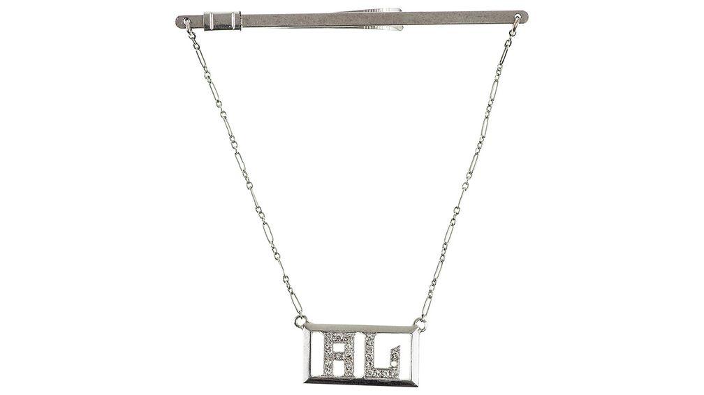 Зажим для галстука, украшенный 21 бриллиантом