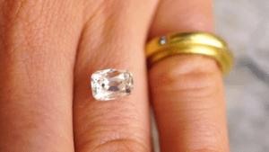 Как измерить блеск камня?