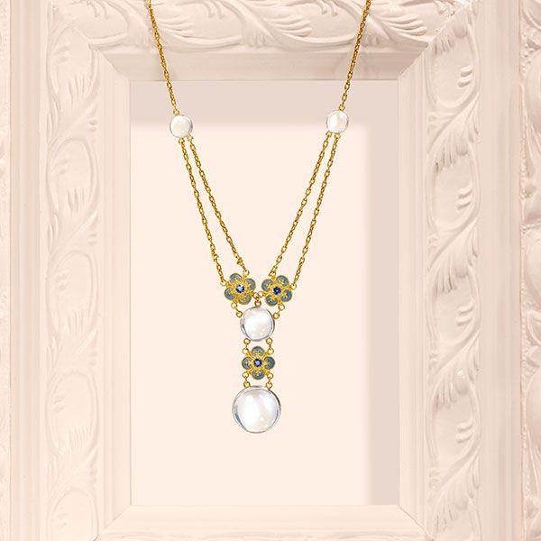 Колье из 18-каратного золота с лунными камнями, сапфирами и эмалью, Луис Комфорт Тиффани для Tiffany & Co., около 1900 года