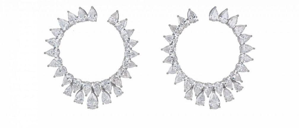 Серьги Green Carpet High Jewellery с бриллиантами грушевидной и бриллиантовой огранки