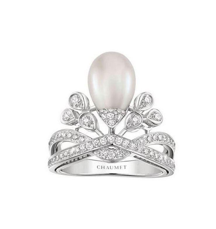 Кольцо Joséphine Aigrette Impériale от Chaumet из платины с жемчугом и бриллиантами