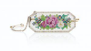 Знаменитая мозаичная брошь Fabergé будет выставлена на аукционе Christie's